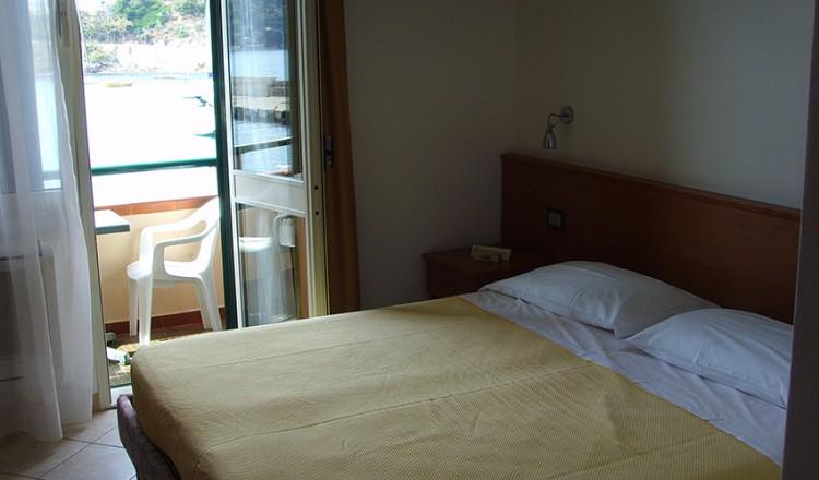hotel-belmare-01