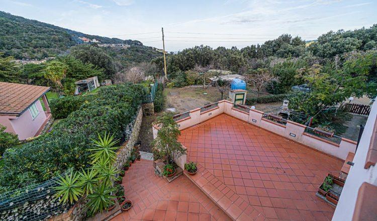 Villa su due piani, Elba